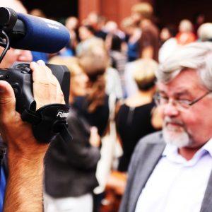 blur-camera-cameraman-57715